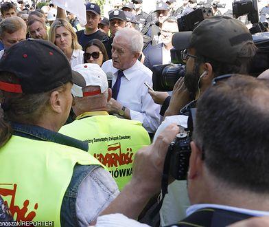 Minister Tchórzewski wyszedł do górników demonstrujących w Warszawie