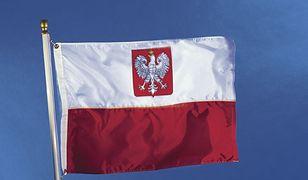 Flaga na każdym budynku - chcą posłowie