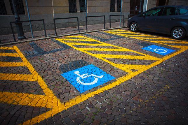Ktoś ukradł wózek niepełnosprawnej kobiecie