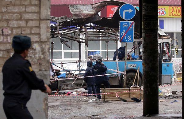 Zniszczony w zamachu trolejbus, Wołgograd, Rosja