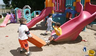 3-latki w przedszkolach. Zostawić pod drzwiami i odebrać po piętnastej
