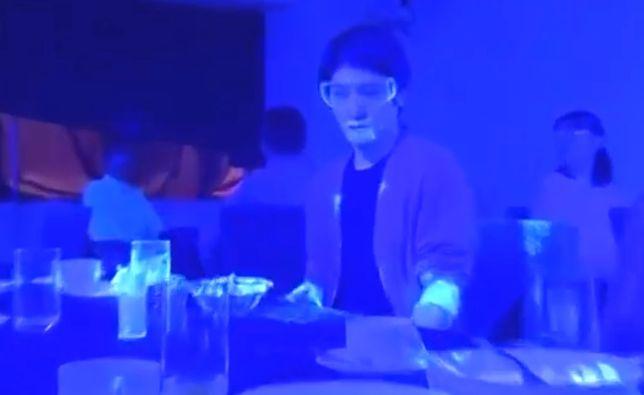 Fragment filmu z eksperymentu z wykorzystaniem światła ultrafioletowego