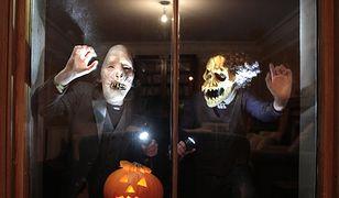 Halloween - zbieranie cukierków.