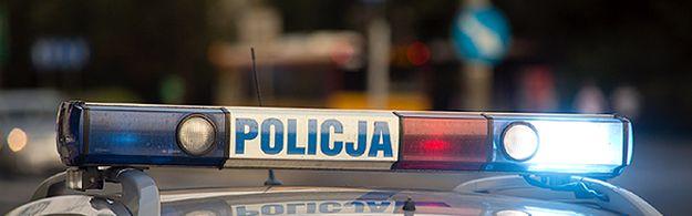 Pomorscy policjanci uratowali niedoszłego samobójcę. 20-latek groził nożem i chciał skoczyć z okna