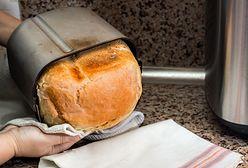 Jeszcze ciepły! Wypiekacz do chleba w sam raz na chłodne poranki.