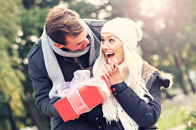 Wyraź miłość czekoladą. Słodkie prezenty dla niej