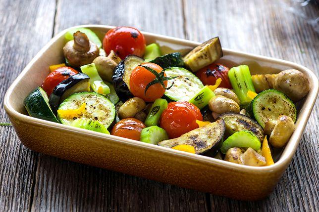 Prosty sposób na pieczone warzywa. Szybko, zdrowo, smacznie