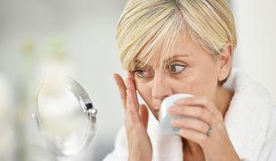 Kosmetyki z kwasem hialuronowym: do jakiej cery i czy warto stosować?