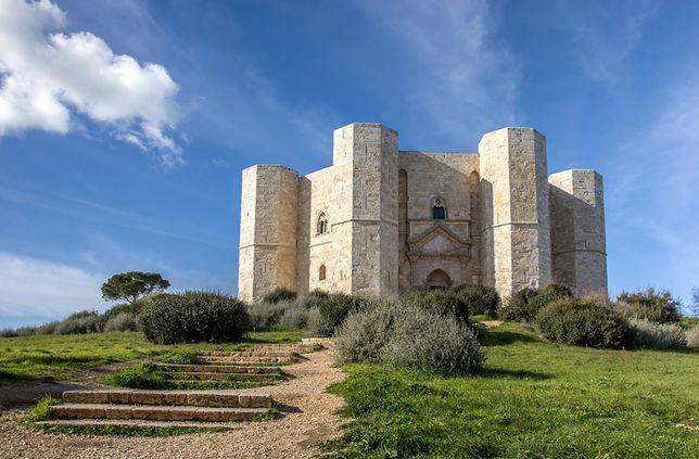 Niezwykłe budowle - Castel Del Monte, Apulia, Włochy