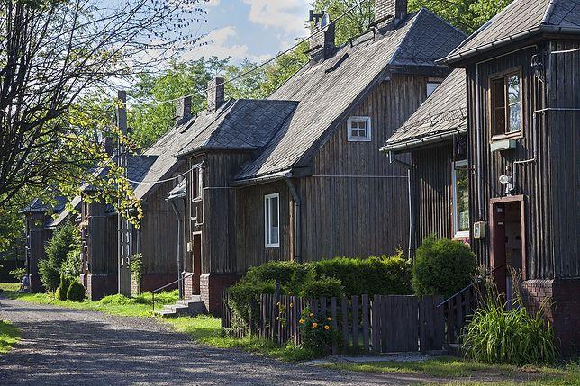 Świętochłowice. Już wkrótce ruszy kompleksowy remont pięciu 90-letnich domków fińskich w Piaśnikach.