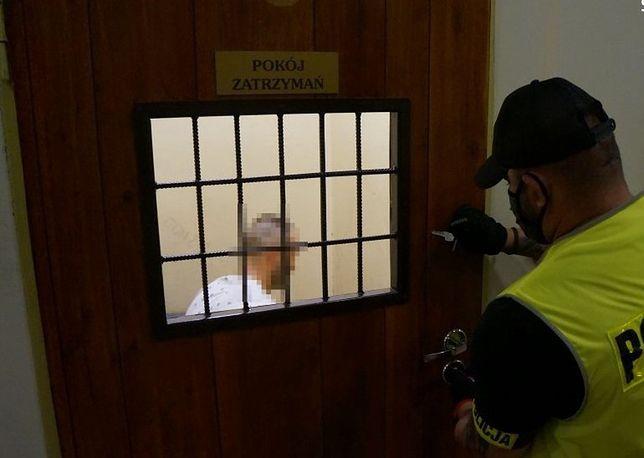 Śląskie. W ręce policji w Bytomiu wpadł poszukiwany nakazem doprowadzenia do aresztu śledczego.