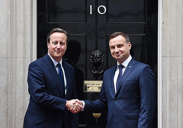 Prezydent Duda przy Downing Street 10 - zdjęcia