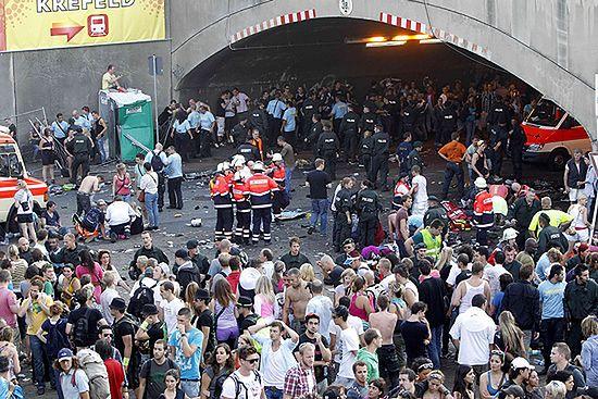 Zmiażdżeni w tunelu na Love Parade - zdjęcia