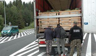 Afgańczycy dostali się do ciężarówki na jednym z parkingów w Belgradzie
