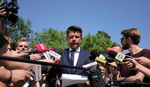 Petru podczas ogłoszenia swojej decyzji ws. odejścia z partii