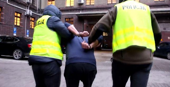 Wrocław. Policja zatrzymała 38-latka, który składał propozycje seksualne 14-latce