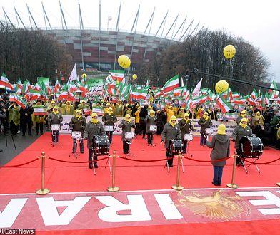 Szczyt bliskowschodni w Warszawie. Protest przed Stadionem Narodowym