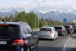 Bójka w Tatrach o... miejsce parkingowe, czyli długi weekend w Polsce [WIDEO]
