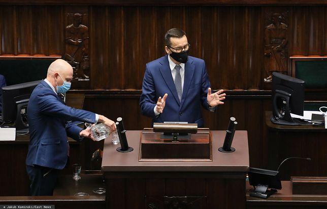 Sondaż CBOS. Polska zmierza w złym kierunku? / Na zdjęciu premier Mateusz Morawiecki na mównicy sejmowej