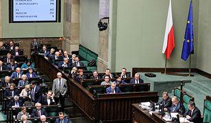 12 listopada dniem wolnym z zakazem handlu, Sejm przegłosował ustawę
