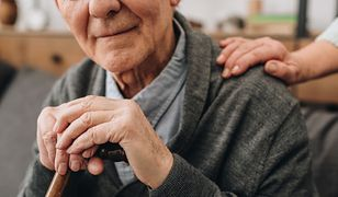 Problem ze szczepieniami. 91-latek z Warszawy czeka na swoją kolej