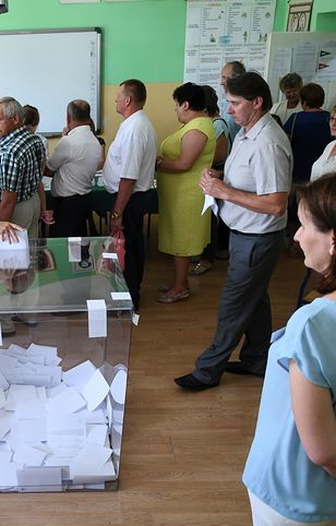 Mieszkańcy Baranowa podczas referendum ws. lotniska