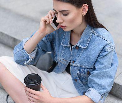 Kurtka jeansowa to must have tej jesieni