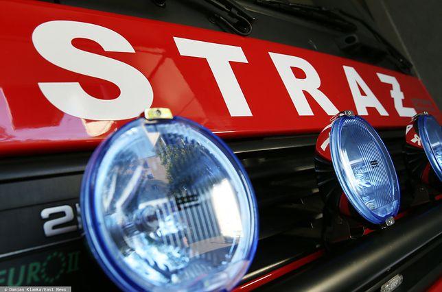 Warszawa. Pożar w bloku przy ul. Grzybowskiej. Trzy osoby w szpitalu