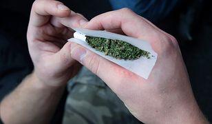 Warszawa. Palili marihuanę w mieszkaniu. Wśród nich 17-latka