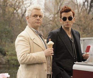 "Michael Sheen i David Tennant w ""Dobrym Omenie"""