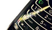 Dobroczynny SMS lepiej wysłać z własnej komórki
