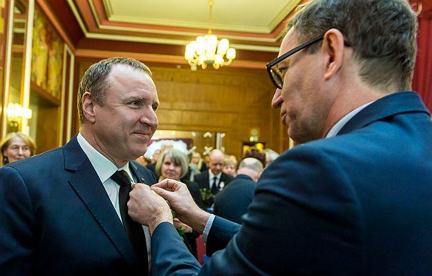 Prezes IPN odznacza prezesa Telewizji Polskiej Jacka Kurskiego