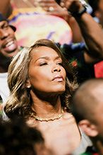 "Angela Bassett kręci ""Whitney Houston"""