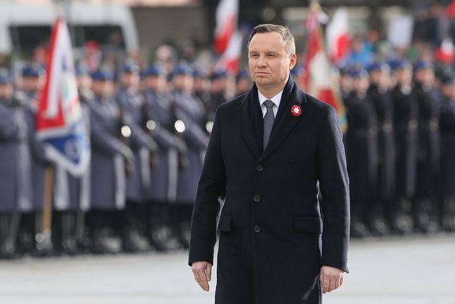 Prezydent Andrzej Duda podczas uroczystej odprawy wart przed Grobem Nieznanego Żołnierza w Warszawie