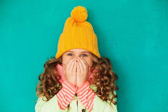 Zimowe niezbędniki dla pociechy. Ciepłe i kolorowe