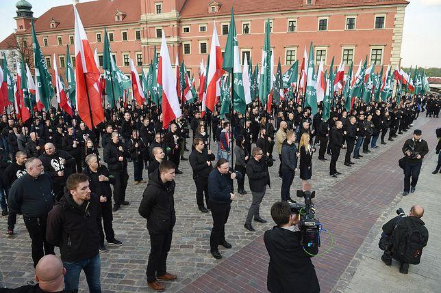 Demonstracja ONR na placu Zamkowym w Warszawie
