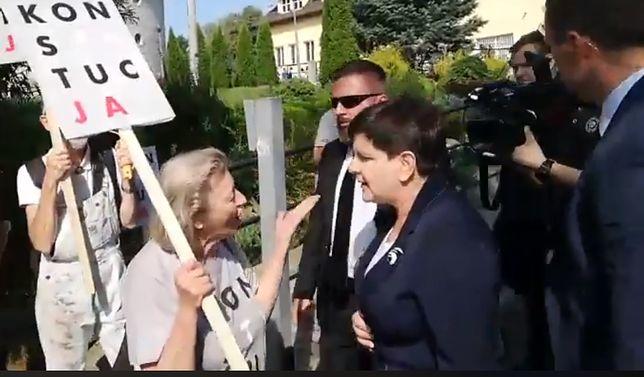 """Beata Szydło na rozpoczęciu roku w Pcimiu. KOD puścił nagranie: """"Te pieniądze im się po prostu należały"""""""