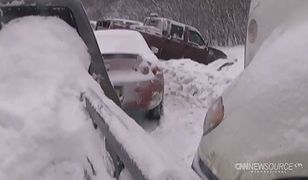 Potężny karambol w USA. 40 aut utknęło w śnieżycy