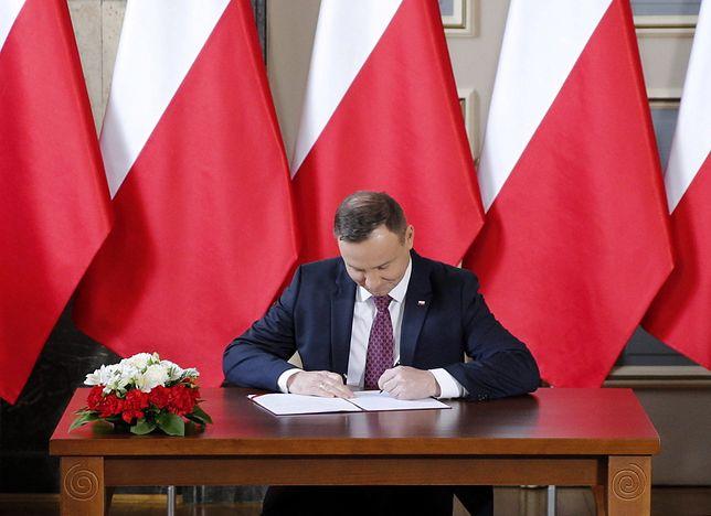 Andrzej Duda zawetował pierwszą ustawę PiS. Internauci: to tylko taka zagrywka