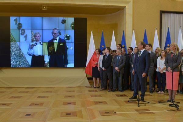 Donald Tusk oraz Elżbieta Bieńskowska podczas konferencji nt. 10. rocznicy wejścia Polski do UE