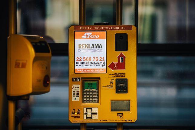 Biletomat sprzedał pasażerce 551 biletów