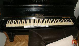 Chciała sprzedać w Internecie pianino z klawiaturą z kości słoniowej