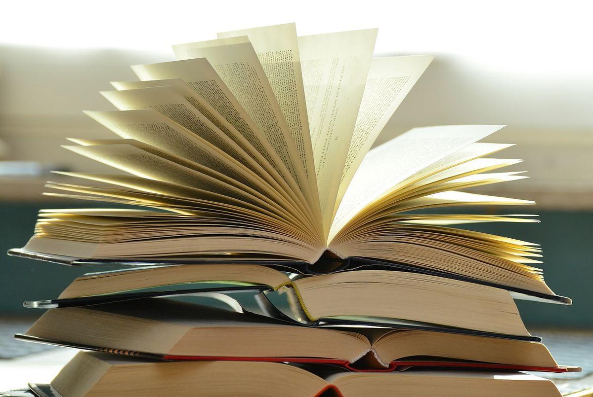 Książki z drugiej ręki - dlaczego warto je kupować?