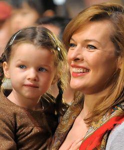 Córka Milli Jovovich jest jej kopią. Nastoletnia Ever idzie w ślady mamy