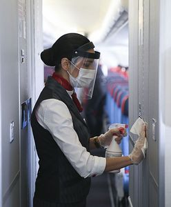 """Stewardessy tracą pracę. """"Nie ma lotów i nie ma jak dorobić"""""""