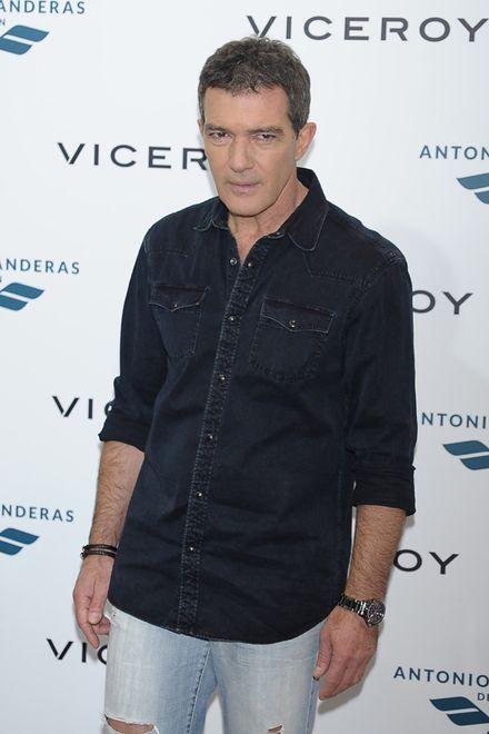 """Antonio Banderas trafił do szpitala. Aktor skarżył się na """"ostry ból w klatce piersiowej"""""""