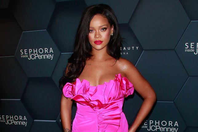 Rihanna nawet bez makijażu wygląda jak prawdziwa gwiazda.