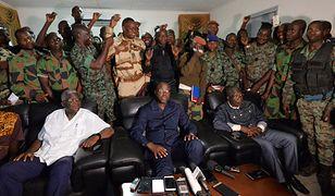 Zbuntowani żołnierze uwolnili ministra obrony