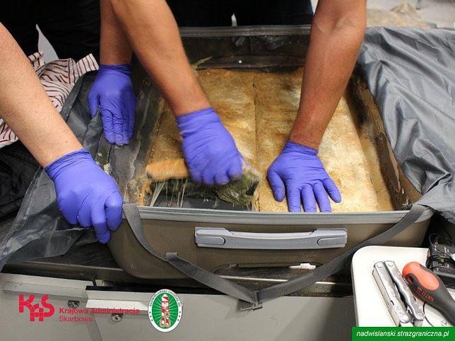W dwóch walizkach Brytyjczyka znaleziono 11 kg heroiny
