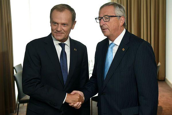 Donald Tusk i przewodniczący-elekt Komisji Europejskiej Jean-Claude Juncker przed szczytem w Brukseli